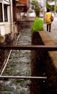 08湯の香通り湯川2s.jpg